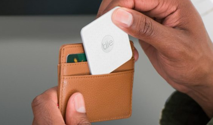 Tile Slim: Find your Wallet with the World's Thinnest Wallet Tracker