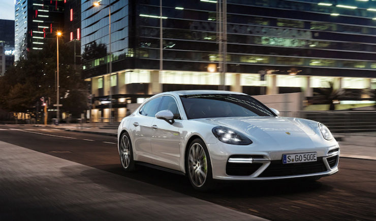 New Porsche Panamera Turbo S E-Hybrid Is Seriously Fast