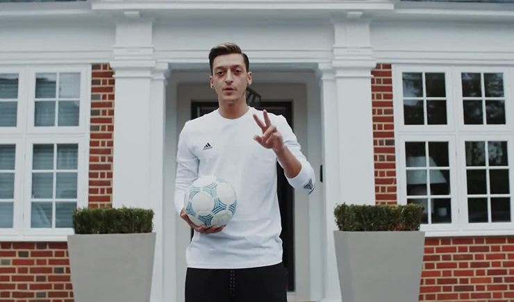 Mesut Özil's Sneaker Closet and Mercedes Whips