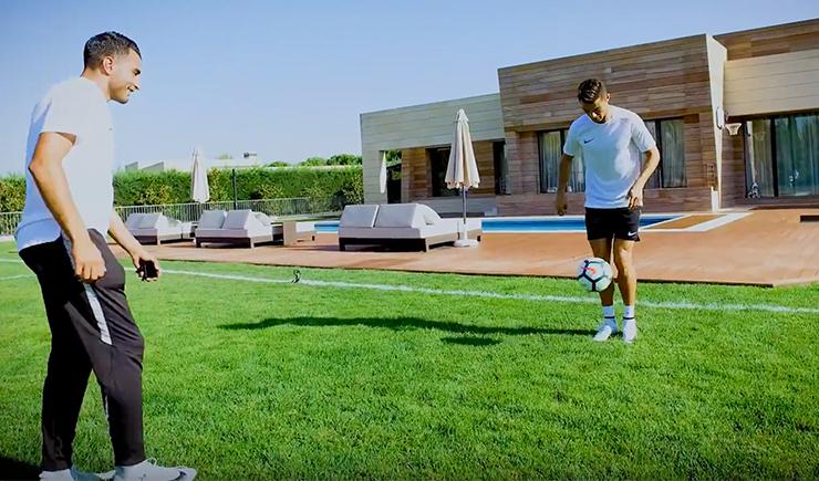 Cristiano Ronaldo & Touzani show you some skills